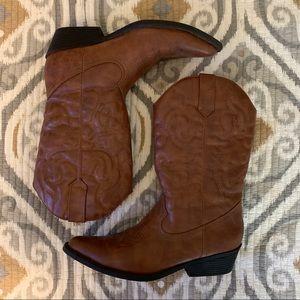 EUC Madden Girl Sanguine Cowboy Boots